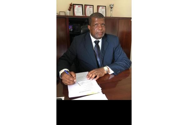 """Entrevista: Magnífico Reitor da UKB. """"O Financiamento do Ensino Superior, Ciência, Tecnologia e Inovação em Angola é Insuficiente"""""""