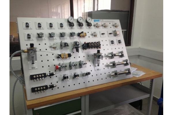 Faculdade de Engenharia da Universidade Agostinho Neto Recebe Novos Laboratórios